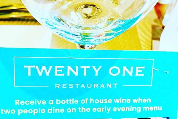 Twenty One RESTAURANT Hamilton36